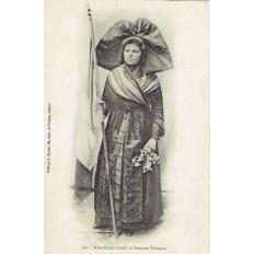 CPA - ALSACE - Alsacienne Tenant Le Drapeau Français - Années 1910