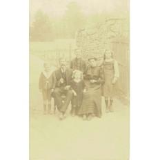 CPA - FONTAINEBLEAU - Portrait De Famille - Années 1900