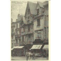 AGRANDISSEMENT CPA 1900: ANGERS, Rue de l'Oisellerie