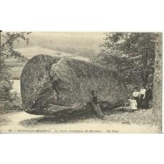 CPA: HUELGOAT, La Pierre Tremblante, Animée, vers 1900