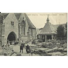 CPA: SAINT-JEAN-DU-DOIGT, Eglise & Oratoire, Animée, vers 1910