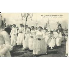 CPA: STE-ANNE LA PALUE, Procession, Enfants de Marie, vers 1920