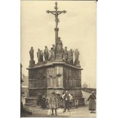 CPA: CONFORT, Le Calvaire, Animée, vers 1910