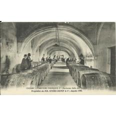 CPA: COGNAC,CHATEAU François 1er, Ancienne Salle des Gardes, vers 1910