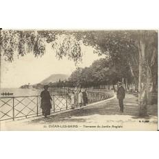 CPA: EVIAN-LES-BAINS, Terrasse du Jardin Anglais. Années 1920.