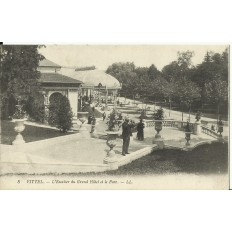 CPA: VITTEL, L'Escalier du Grand Hotel & Parc, années 1910