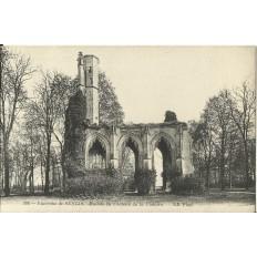 CPA: SENLIS, Ruines du Chateau de la Victoire, vers 1900
