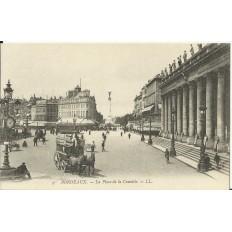 CPA: BORDEAUX, LA PLACE DE LA COMEDIE, vers 1900