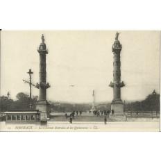 CPA: BORDEAUX, Les Colonnes Rostrales et les Quinconces, vers 1900