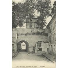 CPA: SENLIS, La Porte de Meaux, vers 1900