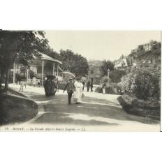 CPA: ROYAT, la Grande Allée et Source Eugénie, vers 1900