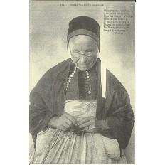 CPA (REPROD): GUEMENE-sur-SCORFF, Vieille Femme, vers 1900.