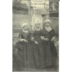 CPA (REPROD.): NORMANDIE, Type de Costumes, vers 1900.