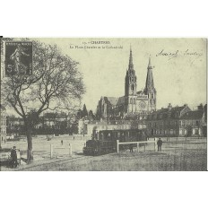 CPA: (REPRO). CHARTRES, Place Chatelet & Cathédrale, vers 1900.