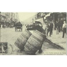 CPA: (REPRO). PARIS, Le Marchand de Tonneaux, vers 1900.