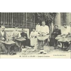 CPA: (REPRO). SALIES-de-BEARN, Groupe de Sandaliers, vers 1900.
