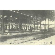 CPA: (REPRO). CREIL, Intérieur de la Gare, vers 1900.