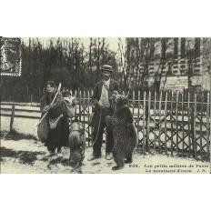 CPA: (REPRO). PARIS, Le Montreur d'Ours, vers 1900.