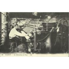 CPA: (REPRO). ELBEUF, La Fabrication du Drap, vers 1900.