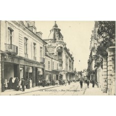 CPA: BOURGES, La Rue Moyenne, vers 1910