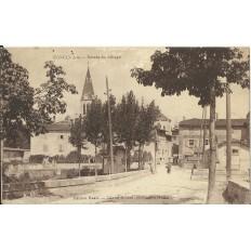 CPA: PONCIN, Entrée du Village, vers 1920