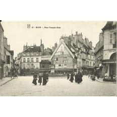 CPA: DIJON, Place François-Rude, vers 1900
