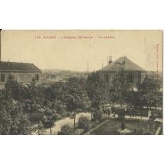 CPA: REIMS, L'Hopital Militaire, Le Jardin, vers 1910