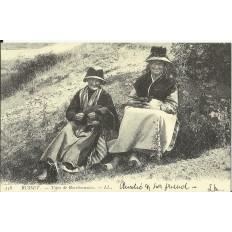 CPA: (REPRO). BUSSET, Types de Bourbonnaises, vers 1900.