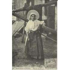 CPA: (REPRO). BOULOGNE-sur-MER, Type de Boulonnaise, vers 1910