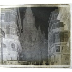 PHOTOGRAPHIE / VERRE, Rue & Eglise, FINISTERE, lieu inconnu, années 1910.
