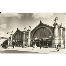 CPA: TOURS, La Gare, Animée, années 1940