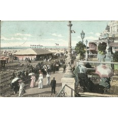 CPA - TROUVILLE, Vue de la Terrasse du CASINO- Années 1910
