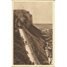 CPA: LE TREPORT, Les escaliers d'accès aux terrasses, Années 1920