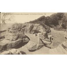 CPA - SAINT-PALAIS, BUREAU, Le Pont de la Corniche, vers 1920.