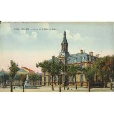 CPA: ROANNE, Place de l'Hotel de Ville, années 1910