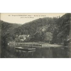 CPA: Gorges de CHOUVIGNY, Un bac sur la Sioule, vers 1910