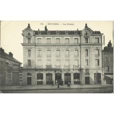 CPA: NEVERS, La Poste, vers 1900
