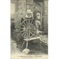 CPA: NORMANDIE, Le Rouet de la Grand'Mère , vers 1900
