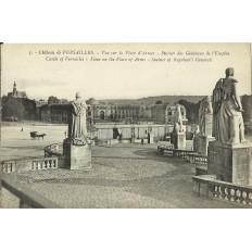 CPA - VERSAILLES, Chateau. Place d'Armes - vers 1910.