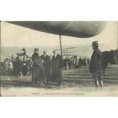 CPA: VERDUN 1908, Le Dirigeable Ville de Paris après Atterrissage.