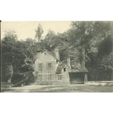 CPA - VERSAILLES, Parc de Trianon, Le Moulin - vers 1900.